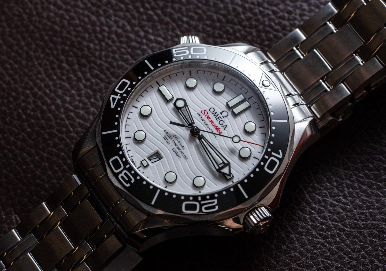 Omega Seamaster 300M - совершенство спортивных часов с белым циферблатом