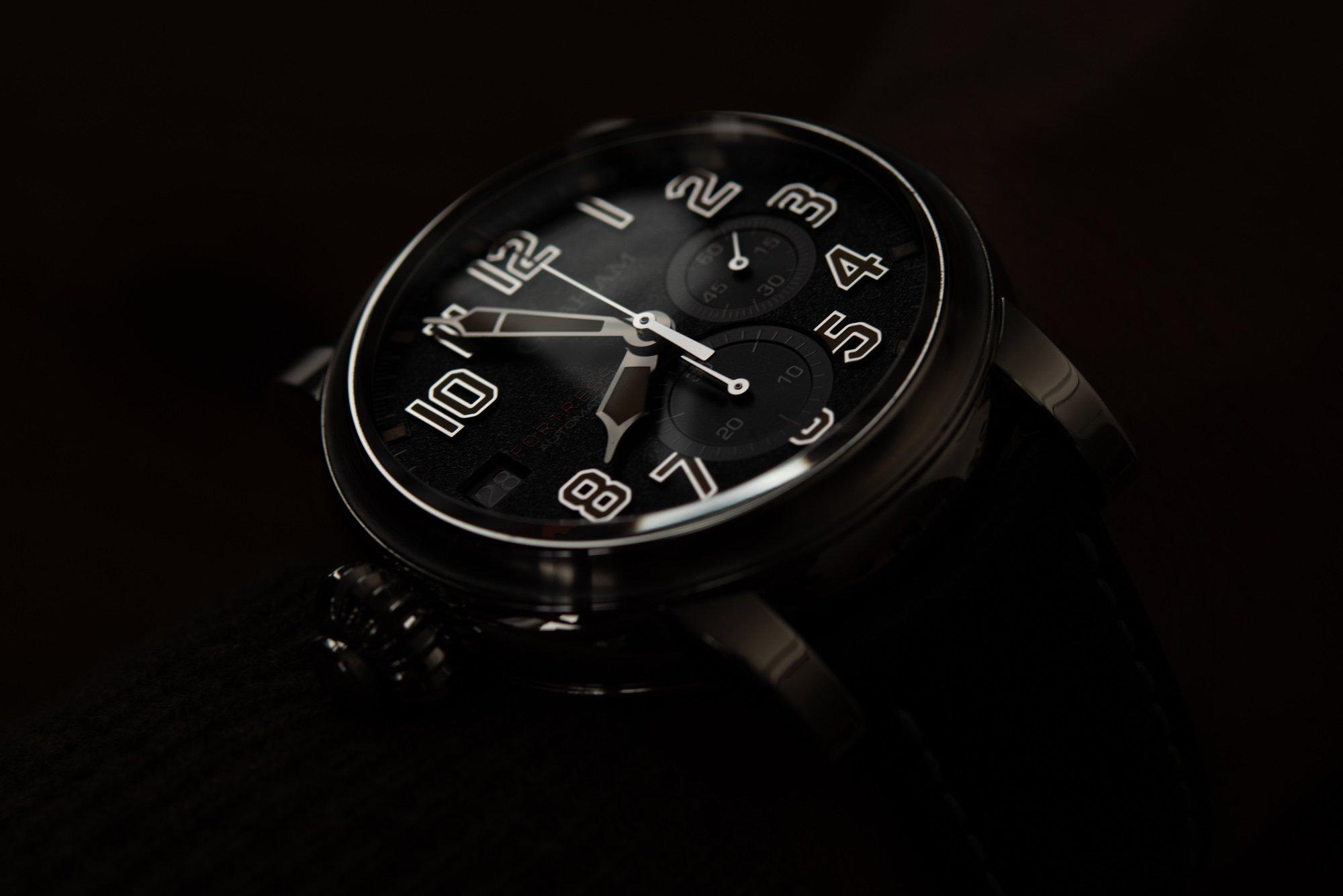 Обзор часов: хронограф Graham Fortress Monopusher