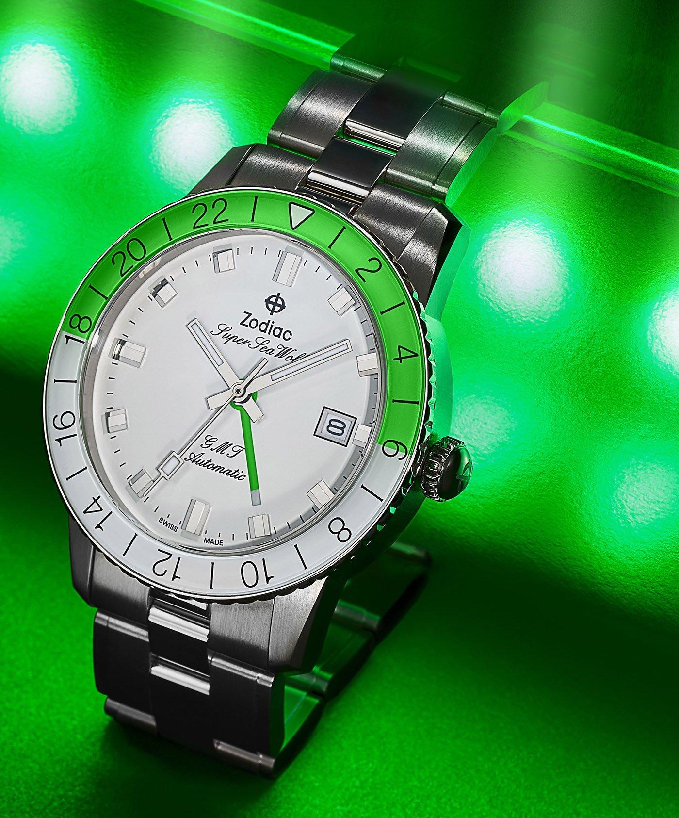 Zodiac представляет часы Super Sea Wolf 53 Neon и Super Sea Wolf GMT Neon