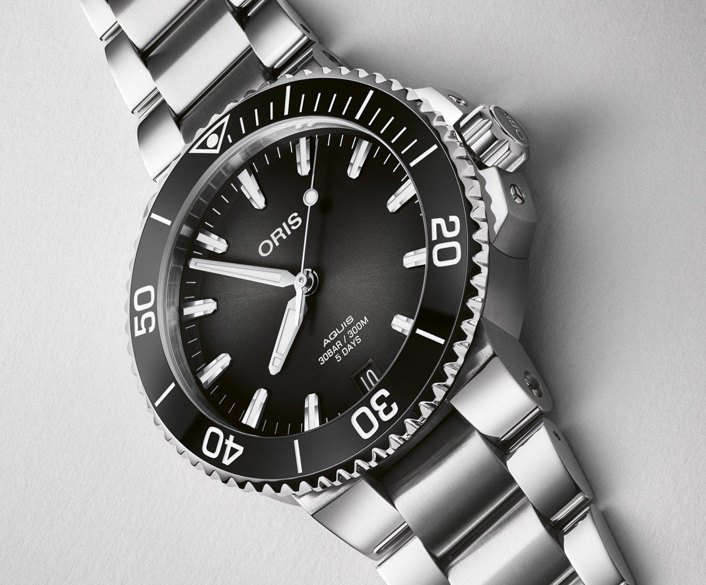 Oris представляет часы Aquis Date Calibre 400 41,5 мм