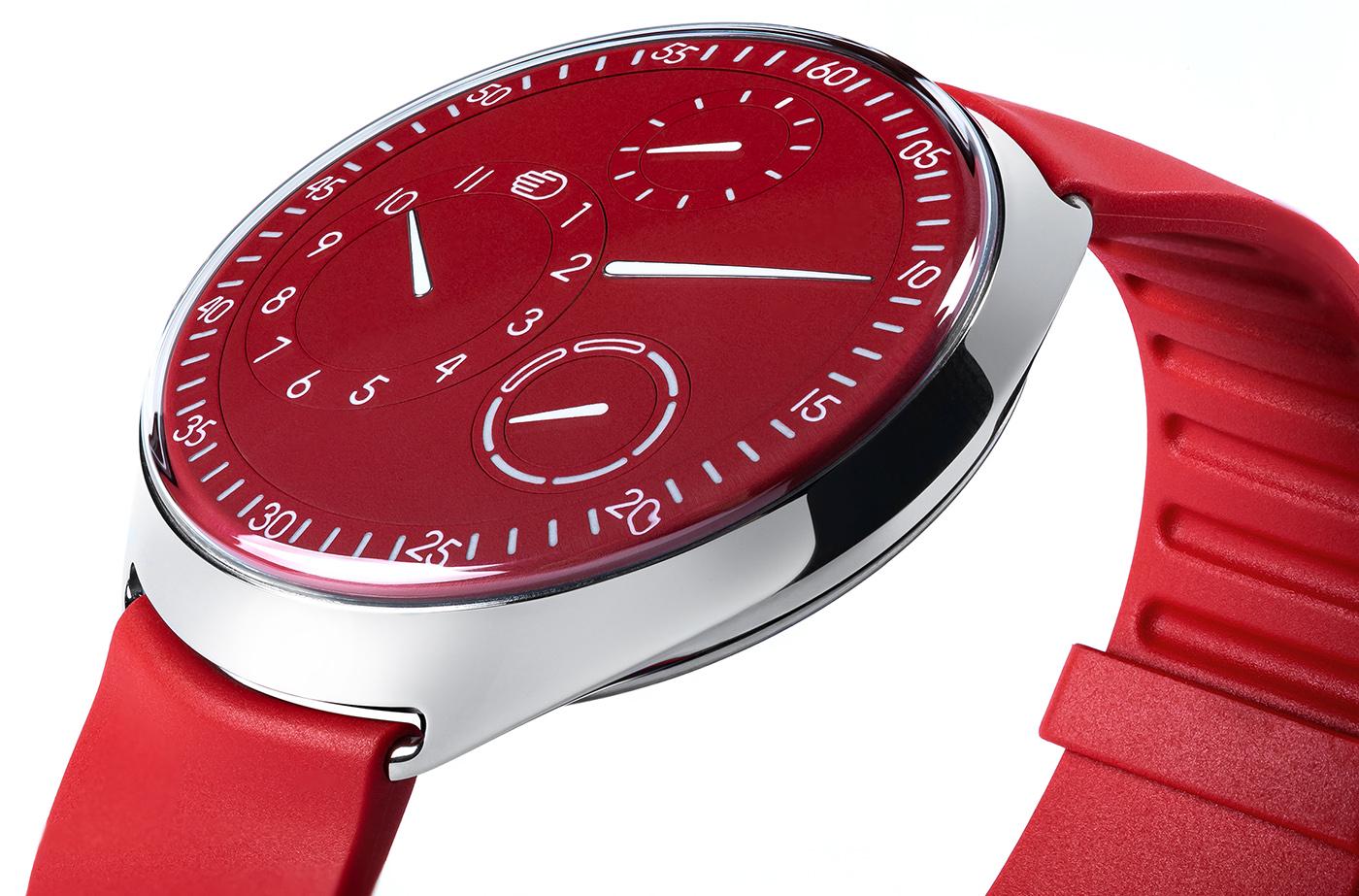 Ressence представляет лимитированную серию красных часов Type 1 Slim