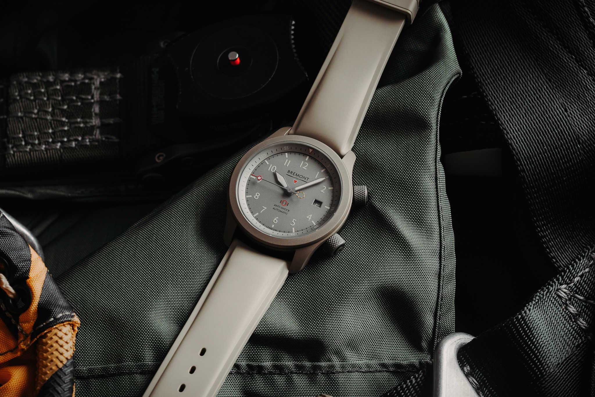 Bremont представляет новые часы MBII Savanna Pilot Watch в титановом корпусе