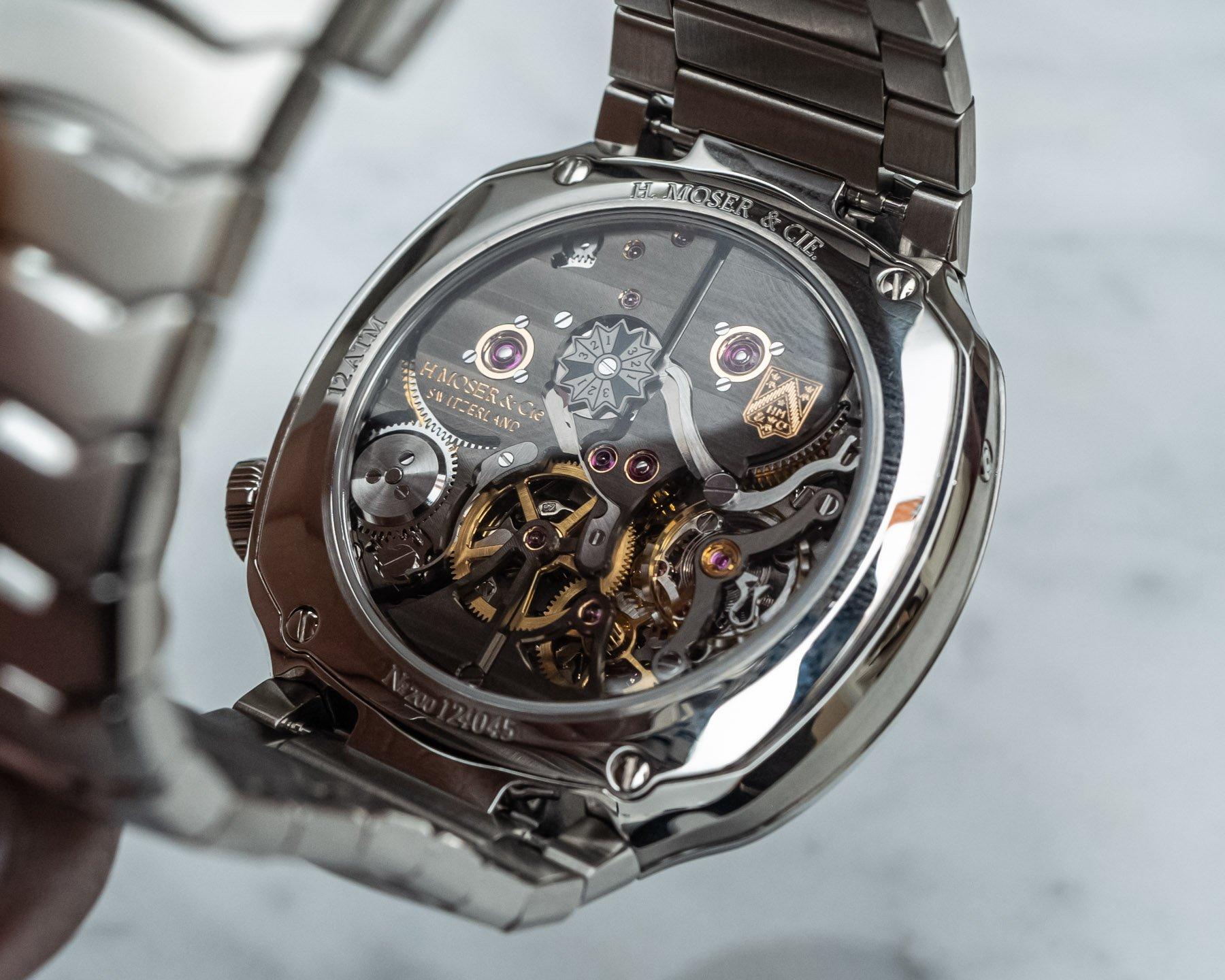 Часы с вечным календарем H. Moser & Cie Streamliner