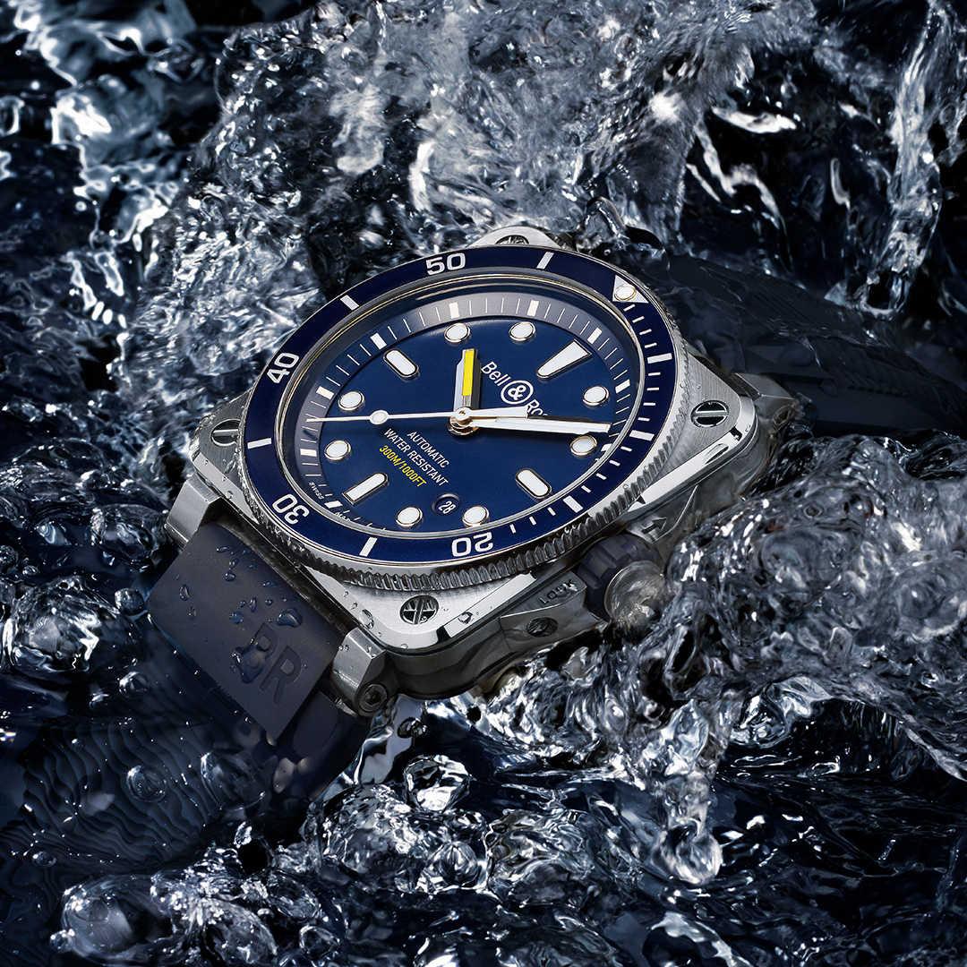 Bell & Ross Diver Blue выделяется в море синих дайверов