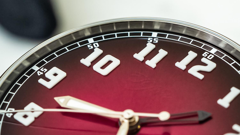 Часы для путешествий H. Moser & Cie Dual-Time Heritage