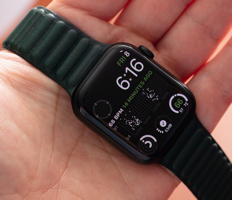 Обзор смарт-часов: Apple Watch Series 7 Aluminum